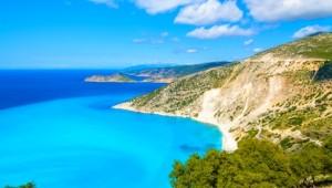 Griechenland Inselhüpfen Reise - Myrtos Beach Lefkas